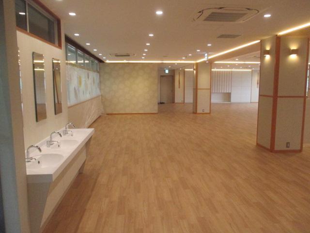 6月30日、食堂改修工事完了し、引き渡しを受けました