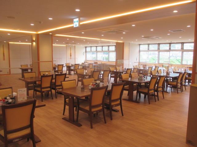 6月30日、食堂の引き渡しを受け、明日7月1日のオープンに備えました